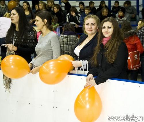 Список полуфиналистов Весёлых стартов на катке определён