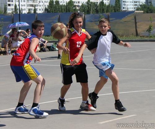 В ФОКе «Русь» наградили участников Спартакиады и провели турнир по стритболу