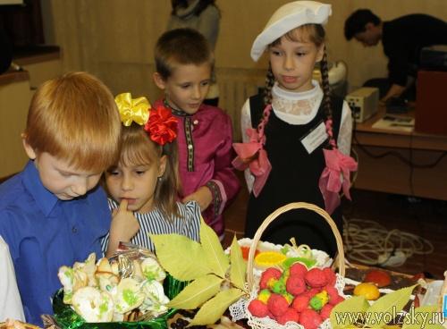 В Волжском прошло сладкое мероприятие по профилактике детского дорожно-транспортного травматизма.