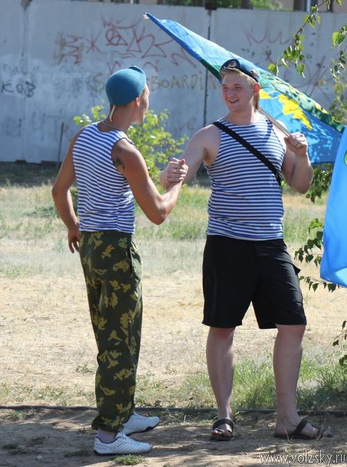 Волжский празднует День ВДВ