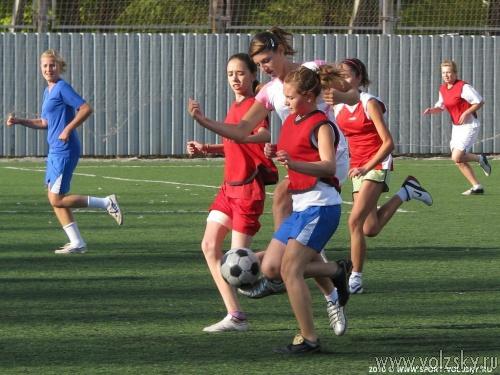 Юные Волжские футболисты подошли к футбольному экватору