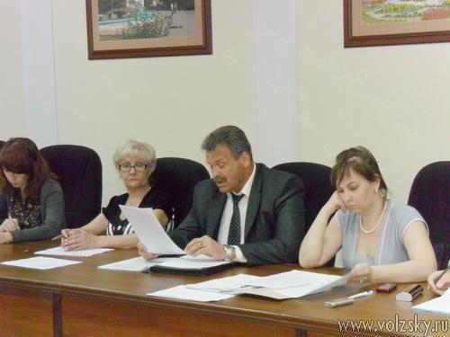 Депутаты хотят вернуть себе «зарплаты»