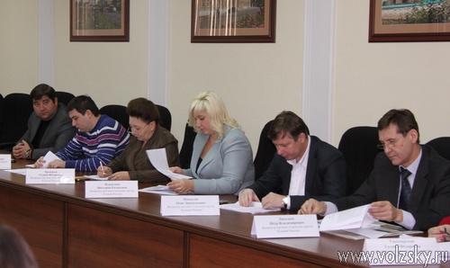 Депутаты провели первое заседание Думы в 2012 году