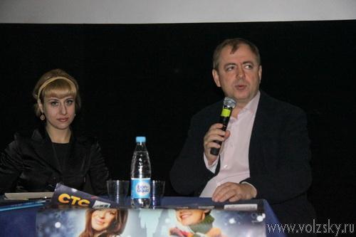 Добросоцкий показал в Волжском «Продавца игрушек»