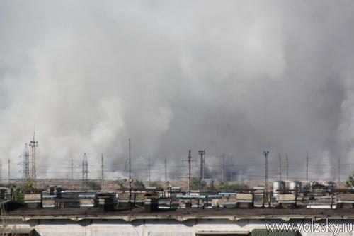 Городская свалка продолжает гореть