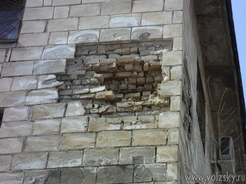 Народный очевидец #3 «Общежитие Волжского разваливается на глазах»