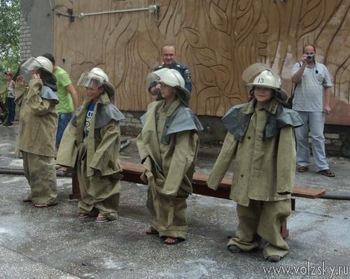 «Орлят» научили тушить пожары