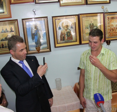 Павел Астахов посетил Волжский