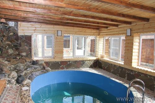 В «Бани у Гургена» открылся бассейн с водопадом