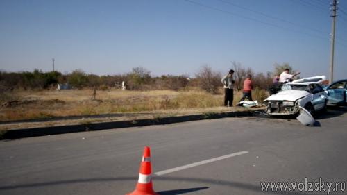 В крупной аварии в Волжском пострадало 3 человека