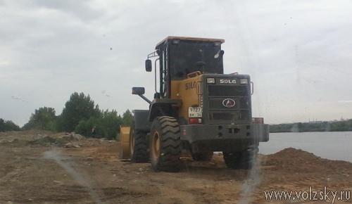 В СНТ «Строитель» вновь началась отсыпка берега Волги