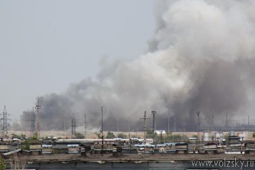 В Волжском горит городская свалка