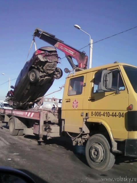 В Волжском в аварии изувечено 3 автомобиля