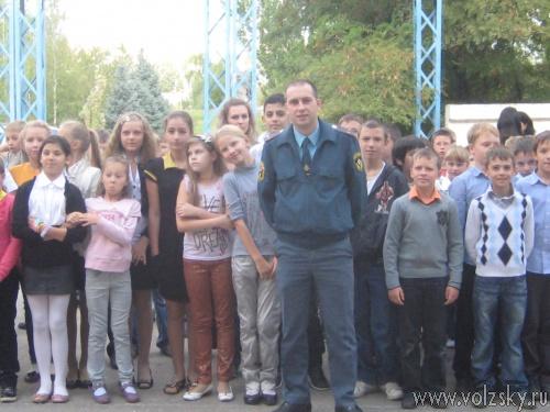 Вчера в Волжском эвакуировали школьников