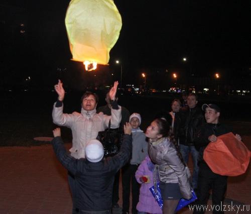 Запуск китайских фонариков