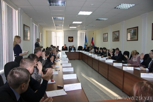 Депутаты провели первое заседание в 2013 году