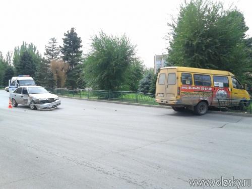 ДТП парализовало проспект Ленина на несколько часов