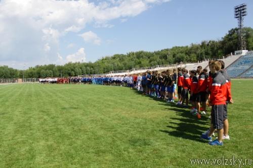 Финальные игры первенства России по футболу проходят в Волжском