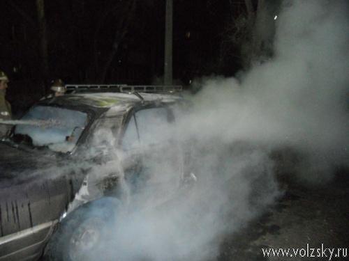 Кто же он – «ночной поджигатель» машин в Волжском?