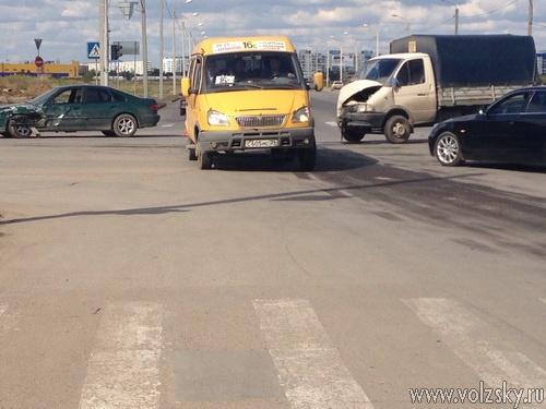 Народный очевидец #17: «ДТП на пресечении Оломоутской и Карбышева»