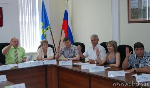 Новый депутат не явился на заседание гордумы