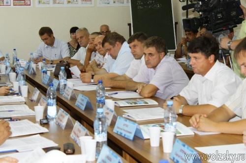 О решении проблем ЖКХ говорилось на заседании «круглого стола»