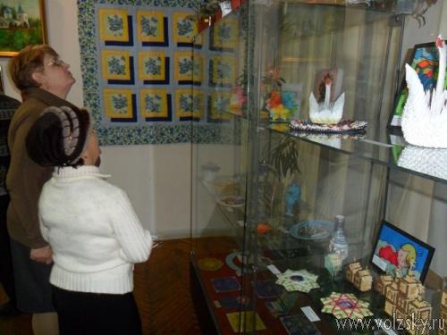 Открылась выставка «Верим в жизни торжество»