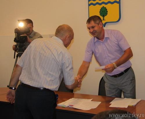 Трём кандидатам в мэры Волжского выданы удостоверения