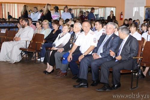 В День знаний начальник Главка МВД генерал-лейтенант полиции Александр Кравченко встретился с учениками полицейских классов