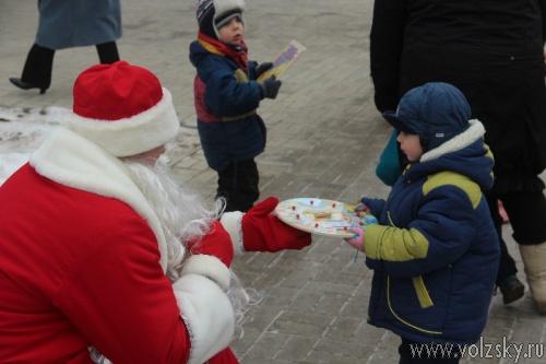 В Волжский Дом малютки пришел Дед Мороз!