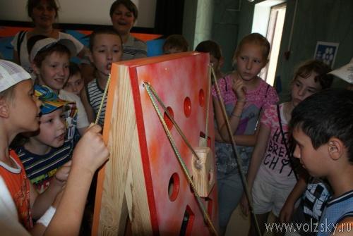 В Волжский приехал Музей Эйнштейна