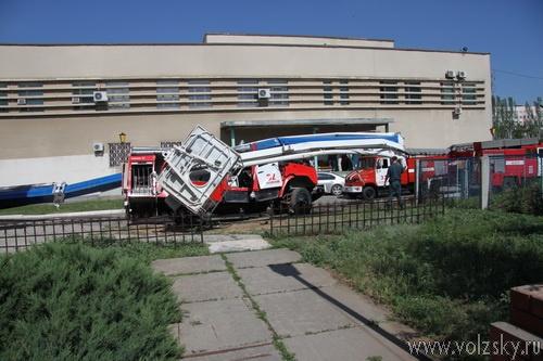 В Волжском упала 50-метровая вышка МЧС