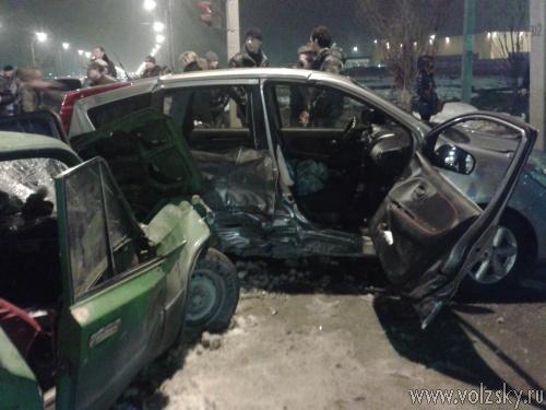 В Волжском ВАЗ протаранил «Nissan»