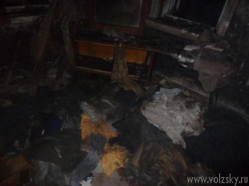 В Волжском женщина и подросток сгорели на даче
