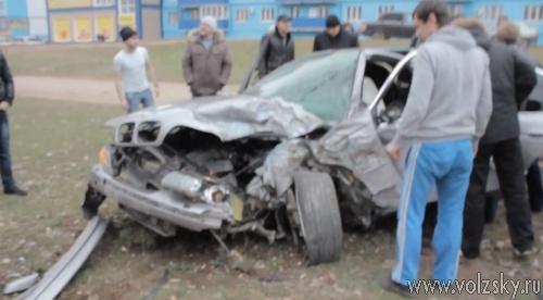 Водитель «BMW», вылетевшего на газон, перепутал педали
