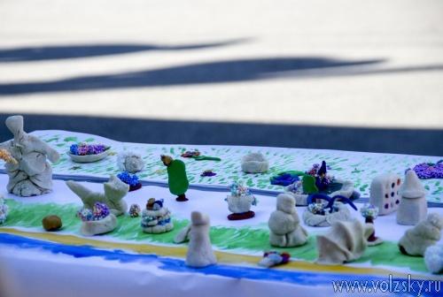 Волжане слепили пластилиновый макет города