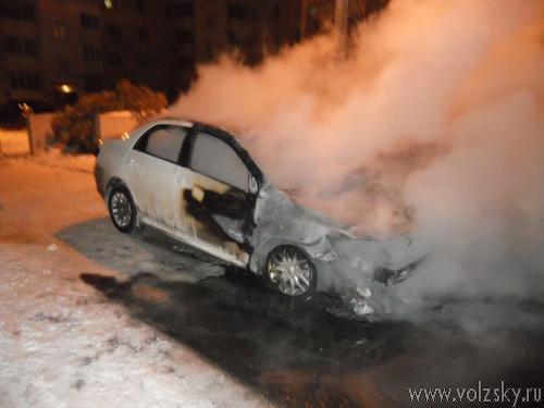 За сутки в Волжском сгорели 3 автомобиля