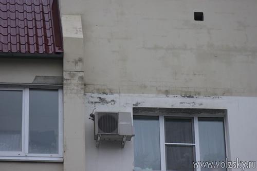 Жилой дом №13В по ул.Кирова разваливается на части