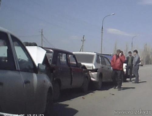 5 машин столкнулись в Волжском