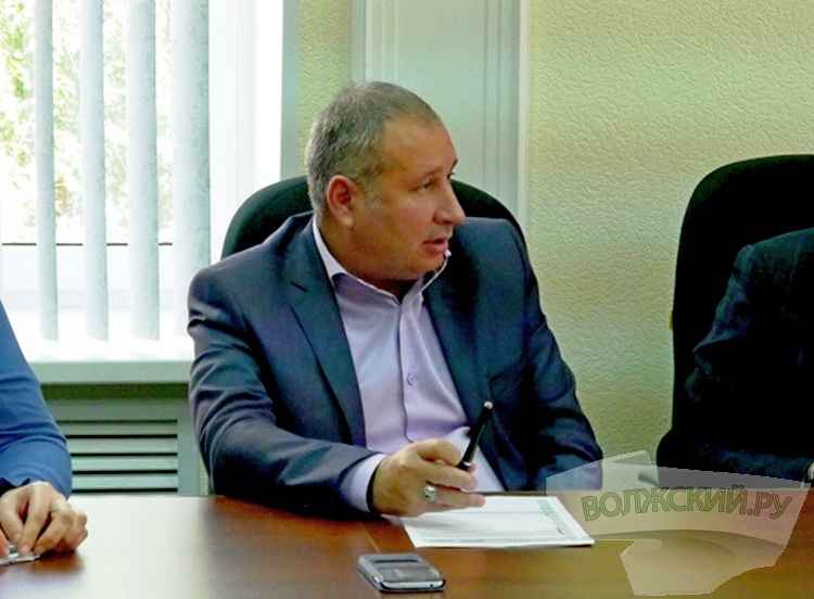 Администрация Волжского будет «вечно» решать судьбу «зебр» на Карбышева?