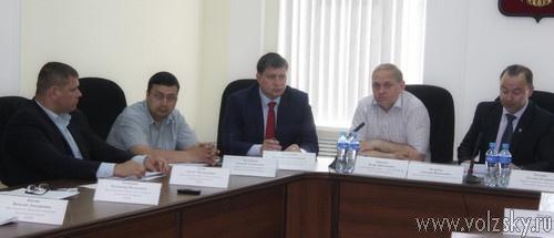 Депутаты удовлетворены работой мэров за 2013 год
