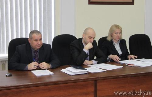 Депутаты возобновили работу в режиме секретности