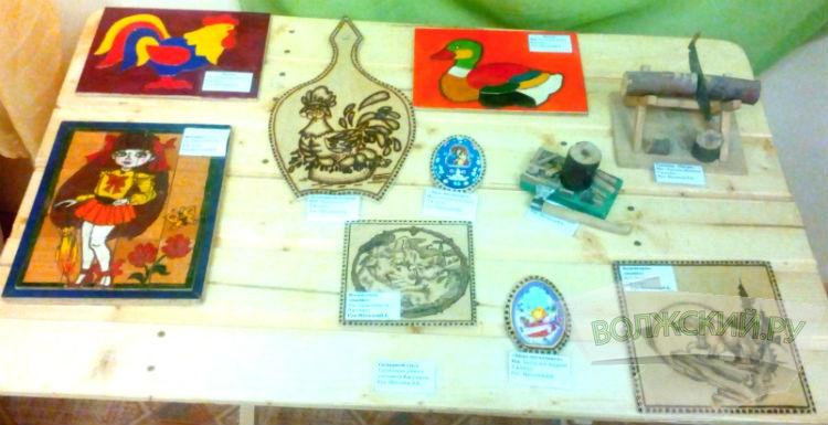 Деревянных дел мастера выставили свои работы в Центре истории культуры