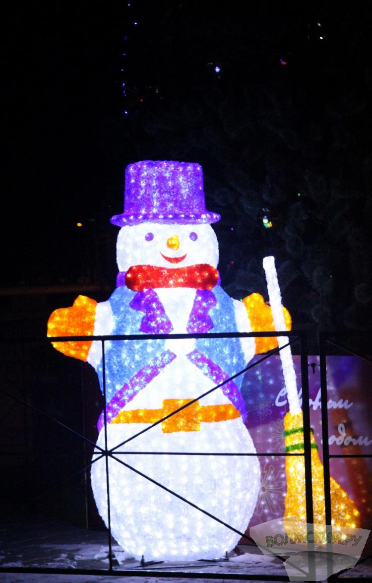 Как Волжский подготовился к Новому году?