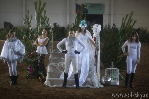 Конноспортивный клуб «Кентавр» организовал новогодний спектакль