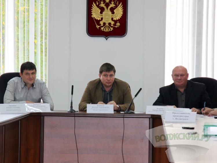 Мэрия 6 лет «устанавливает» светофор на перекрёстке Ленина и Комсомольской