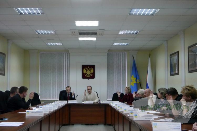 На заседании бюджетной комиссии депутаты оставили себя без денег на наказы избирателей