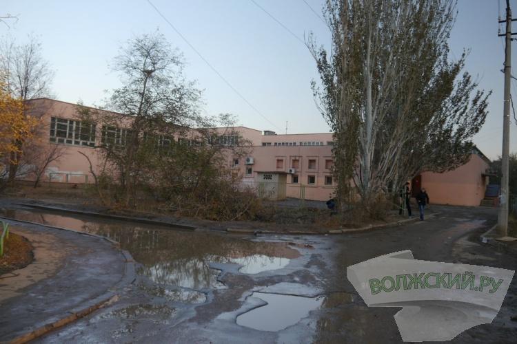 Пешеходную дорожку у кадетской школы «отложили» до 2015 года