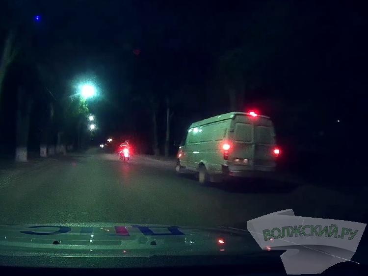 Пьяный ГАЗЕЛист «уходил» от погони в Волжском