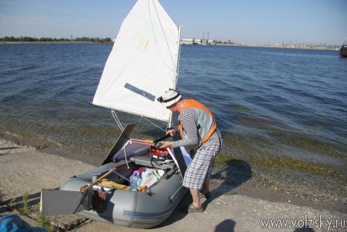 Преподаватель из Волжского отправился в 20-дневное путешествие на надувной лодке